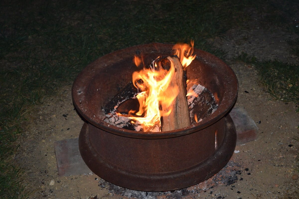 13 Top Campfire Songs For Kids