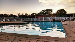 Read more about the article Take an evening dip in our pool.  Book six nights and get a seventh free.  New r…